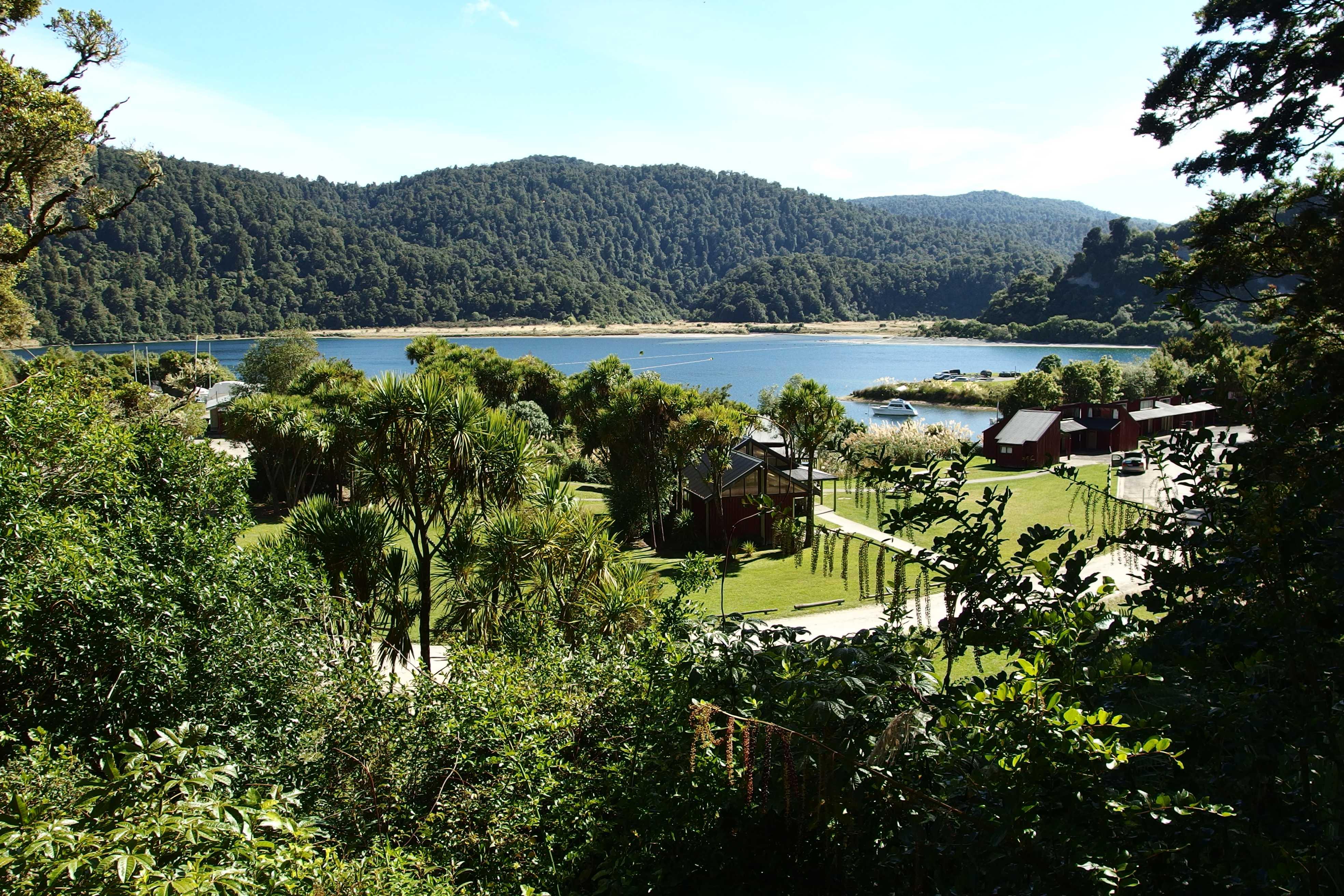 Lake Waikaremoana – MyTravelfly